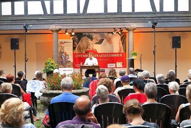 Offenburger Literaturtage Wort-Spiel ziehen in den sommerlichen Kreuzgang um