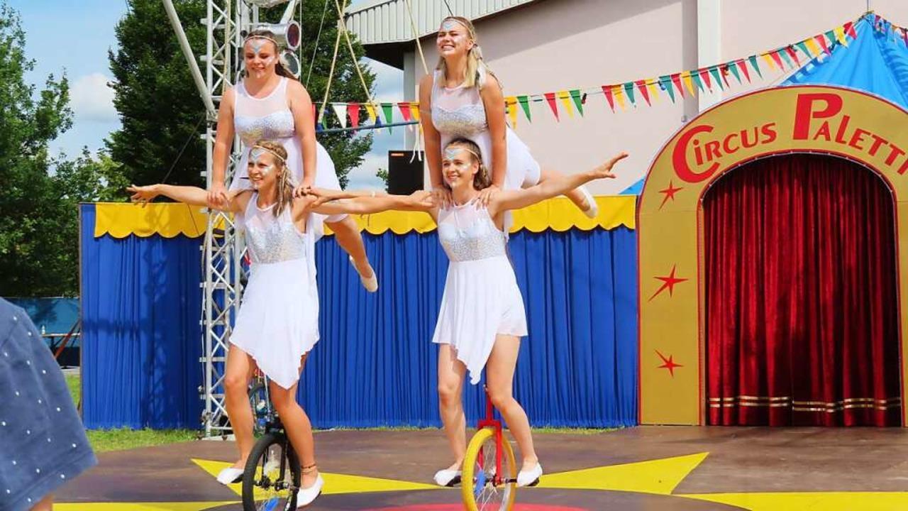 Wer das Gleichgewicht auf dem Einrad h...m Circus Paletti, ist klar im Vorteil.  | Foto: Bertold Obergföll