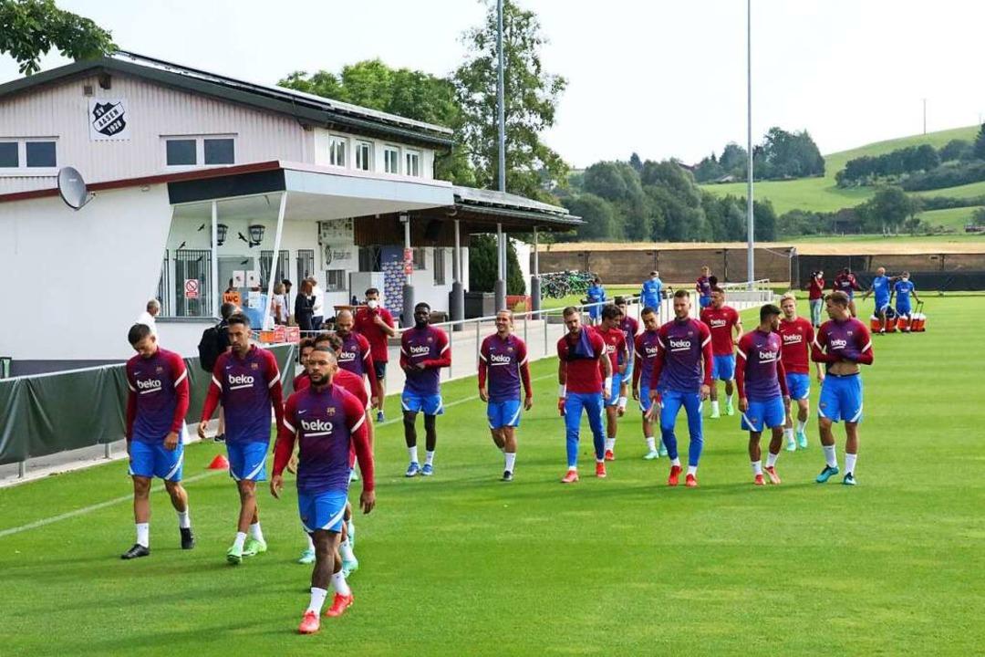 Egal, ob Mailand  oder Aasen: der FC Barcelona beim Training auf der Baar.    Foto: Otto Schnekenburger