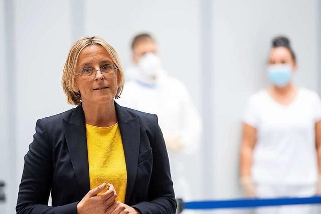 Co-Chefin Freitag verlässt den Stuttgarter Flughafen
