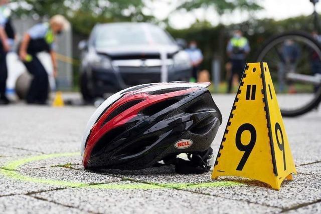 Radfahrerin verletzt sich bei Verkehrsunfall bei Vörstetten schwer