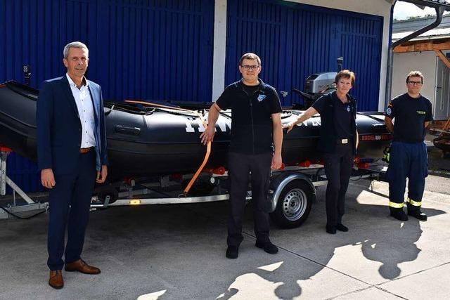 THW Lörrach bekommt Boot für Hilfseinsätze in flachen Gewässern