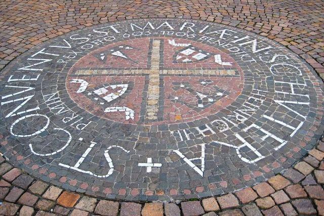 Das Geheimnis des Mosaiks vor der Klosterkirche Schuttern
