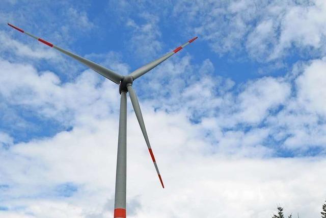 Umweltsekretär Baumann wirbt in Biederbach für schnellen Ausbau von Windkraft