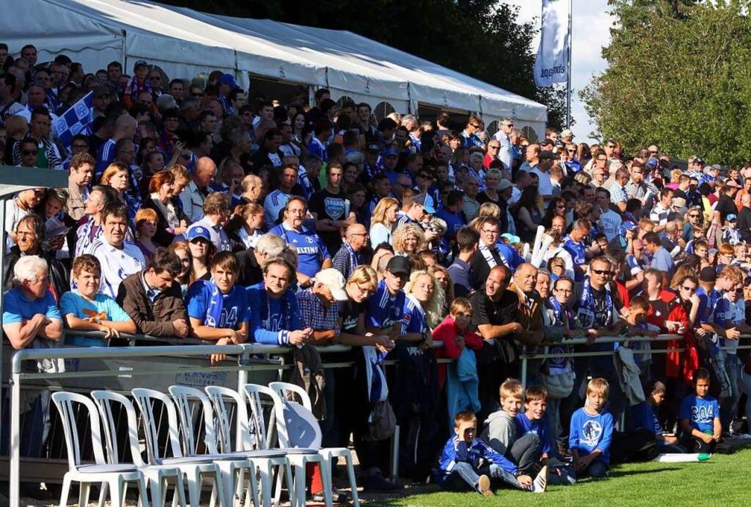 Rund 5000 Zuschauer werden für das DFB...spiel am Sonntag ins Stadion gelassen.  | Foto: Dieter Reinhardt