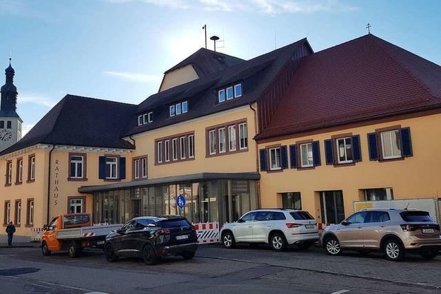 Der Rest der Verwaltung zieht wieder ins Seelbacher Rathaus zurück