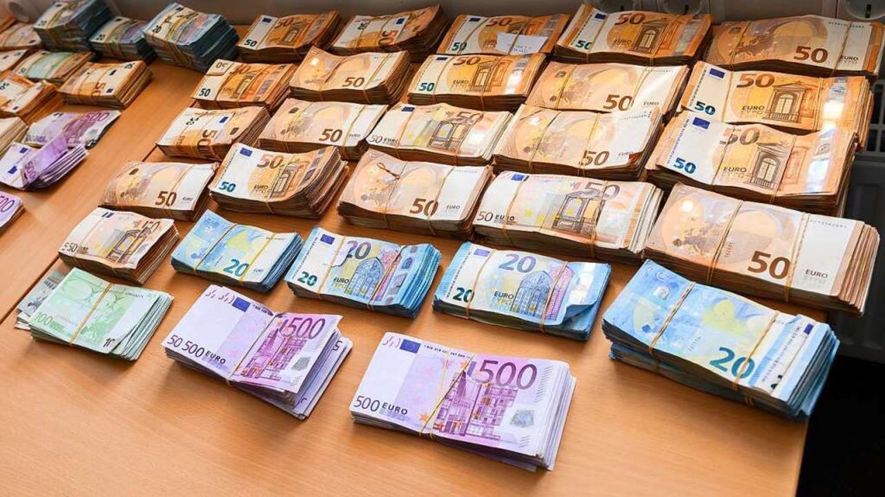 Der Umgang mit großen Mengen Bargeld wird schwieriger.    Foto: Silas Stein (dpa)