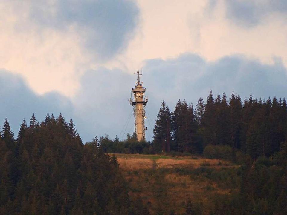 Der Hochfirstturm könnte einen neuen N...ekommen. Dagegen regt sich Widerstand.    Foto: Peter Stellmach