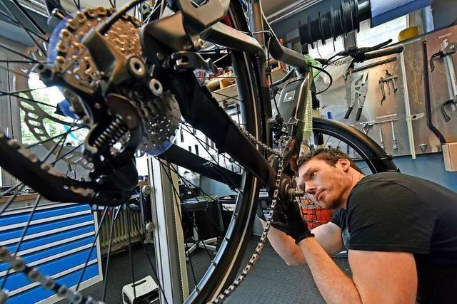 Der E-Bike-Boom bringt Fahrradwerkstätten ans Limit
