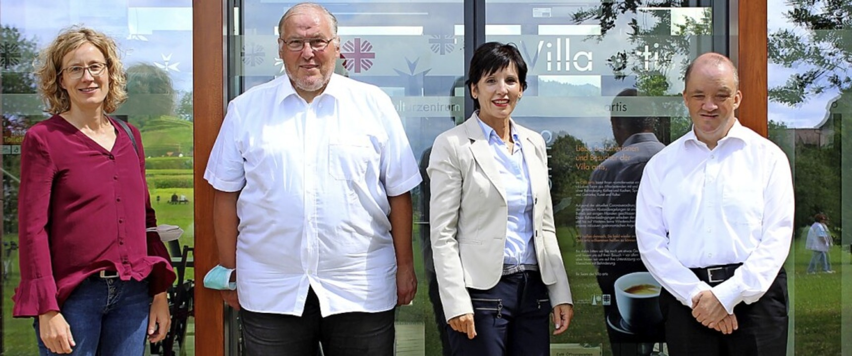 Freude über den Neustart (von links): ...atkov und Leiterin Antoinette Majewski  | Foto: Jennifer Ruh
