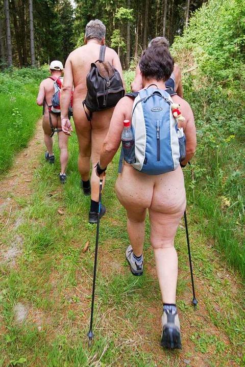 Nacktwandern ist nur auf ausgewiesenen Nudistenwegen erlaubt.  | Foto: Matthias Bein