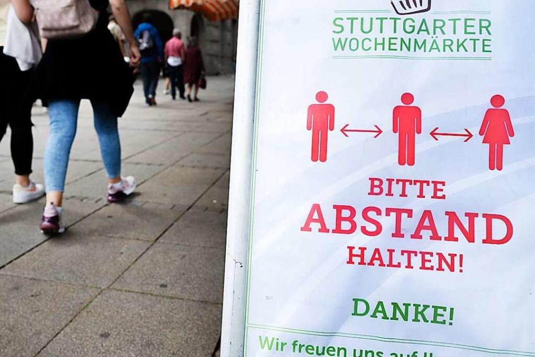 Weiterhin gilt: Abstand halten!  | Foto: Bernd Weissbrod (dpa)