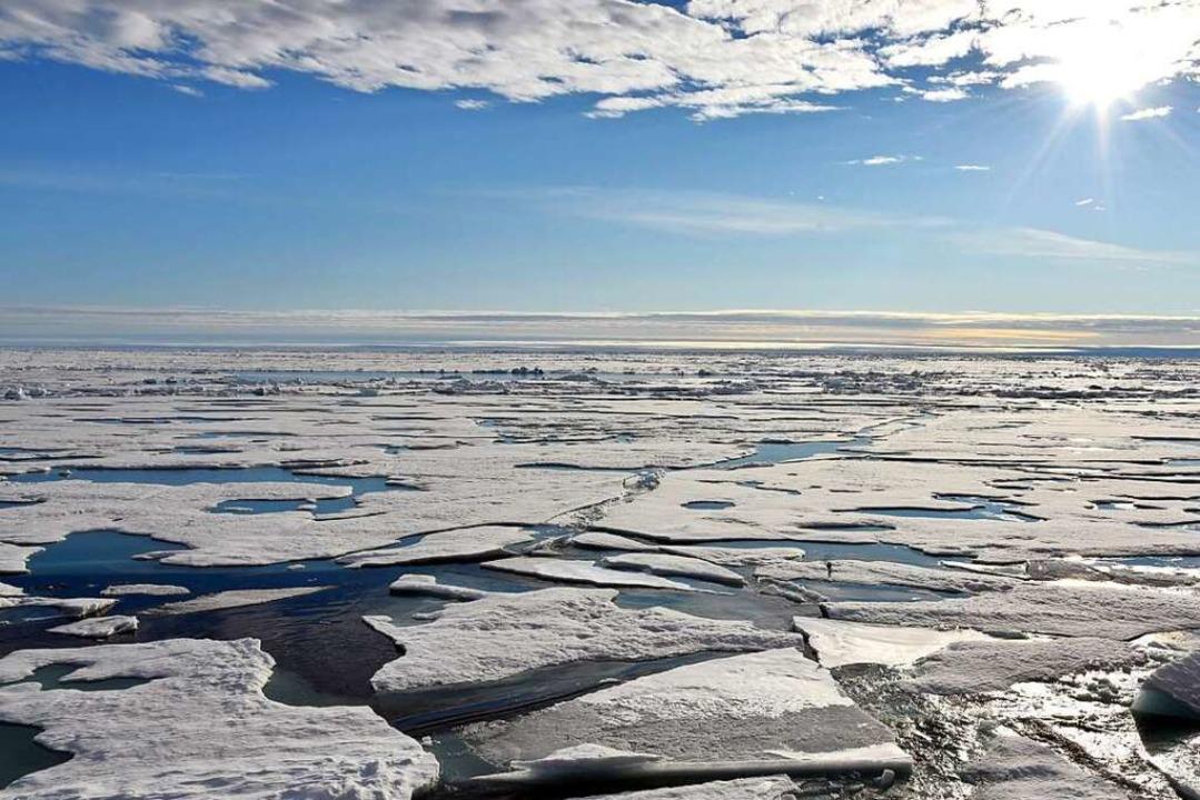 Auf dem Arktischen Ozean am Nordpol sc...resspiegel steigt mit dem Klimawandel.    Foto: Ulf Mauder (dpa)