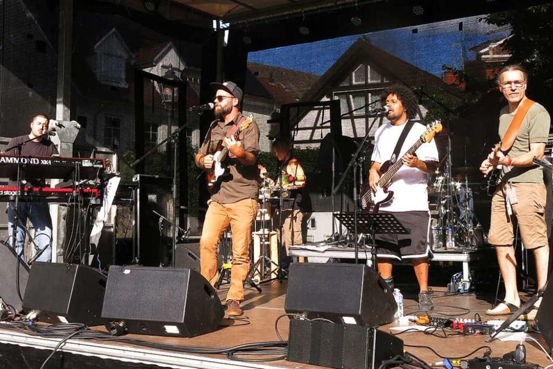 Iman&Dub Tub aus Freiburg eröffneten den Reggae-Abend.    Foto: Georg Voß