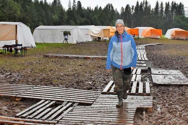 Zeltlager einer Jugendgruppe in Breitnau versinkt im Matsch