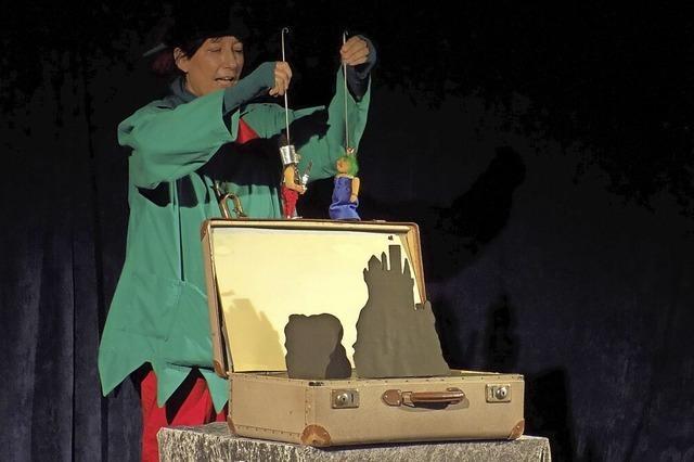 Theater mit einem Wunderkoffer