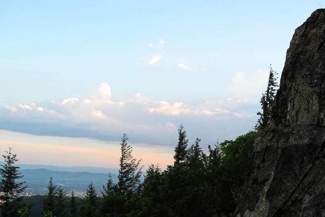 Auszeit mit Panoramablick auf dem Freiburger Kybfelsen