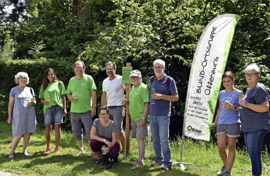 Die BUND-Ortsgruppe um Norbert Litterst (3. v. l.) freut sich über Mitstreiter.   | Foto: Barbara Puppe