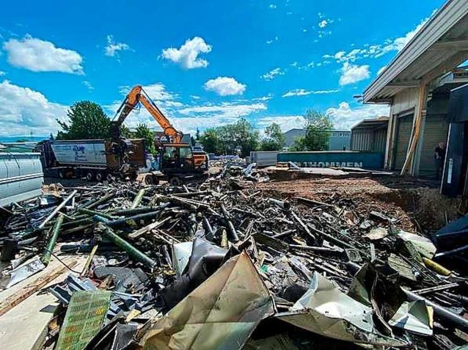 Das Bild zeigt die zerlegten Maschinen der ehemaligen Druckerei.    Foto: Michael Medweth