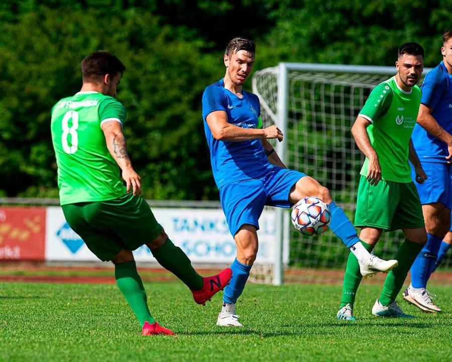 Grün (Furtwangen) gegen Blau (Neustadt) war ein dröger Landesliga-Kick.   | Foto: Wolfgang Scheu