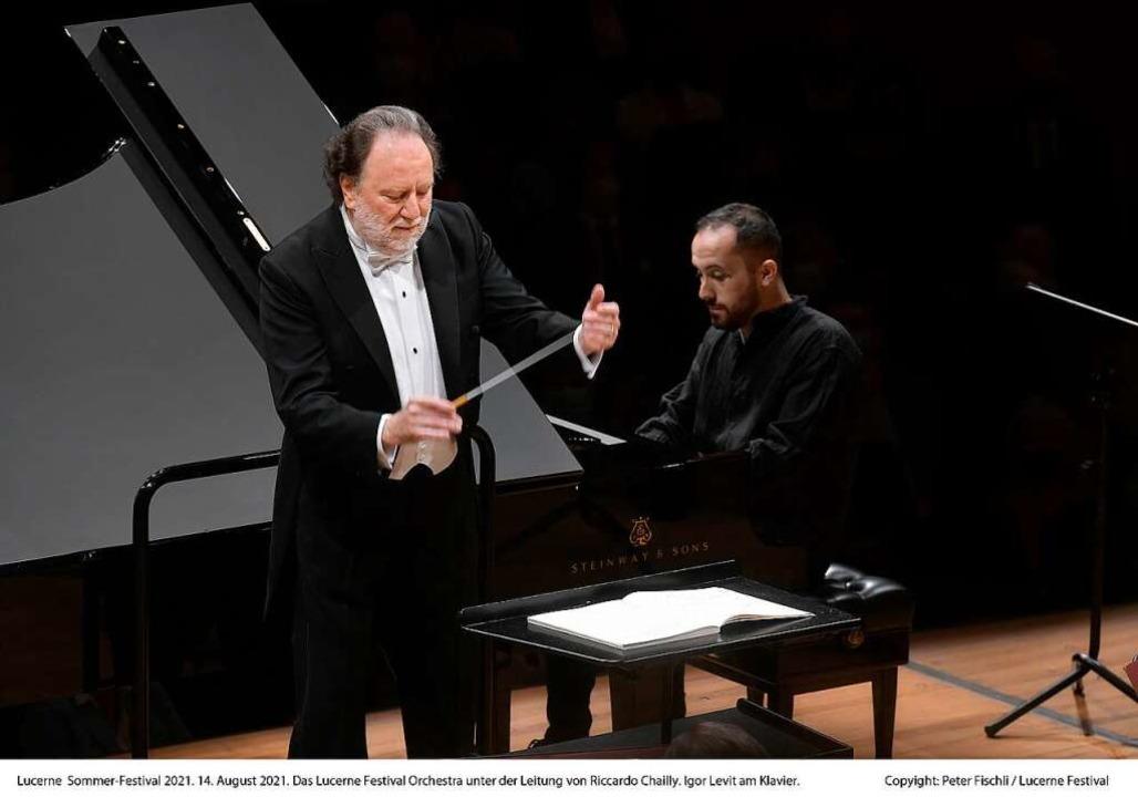 Dirigent Riccardo Chailly und Pianist ...ert mit dem Lucerne Festival Orchestra    Foto: PETER FISCHLI      SWITZERLAND
