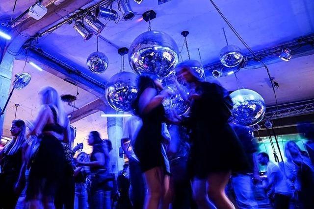Feiern ohne Maske in der Diskothek könnte doch möglich sein