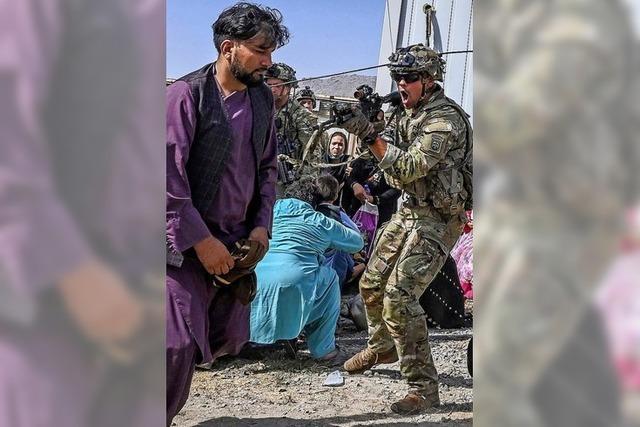 Am Airport von Kabul herrschen Chaos und Verzweiflung