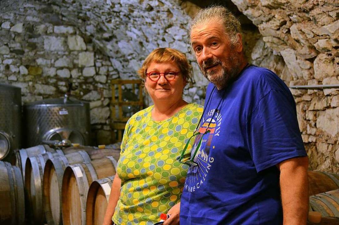 Heike und Bernhard Frick in ihrem Weinkeller...    Foto: Moritz Lehmann