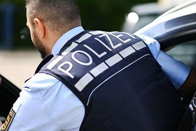 Mann soll in Lörrach mit einem Messer bedroht worden sein