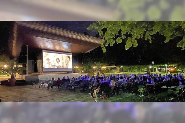 An zwei Wochenenden findet dieses Jahr wieder das Open-Air-Kino im Bad Krozinger Kurpark statt