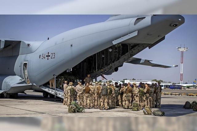Bundeswehr fliegt 264 Menschen aus Kabul aus