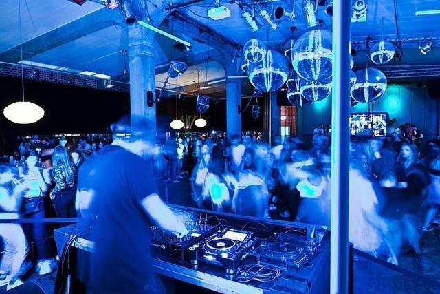 Feiern ohne Maske in Südwest-Clubs unter Bedingungen erlaubt