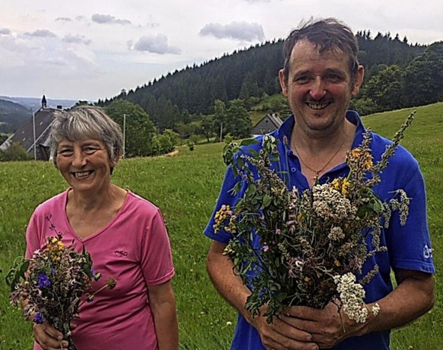 Rita Hasenkopf  und  Reinhard Rieger p...uterweihe an Mariä Himmelfahrt weiter.  | Foto: Ursula Harder