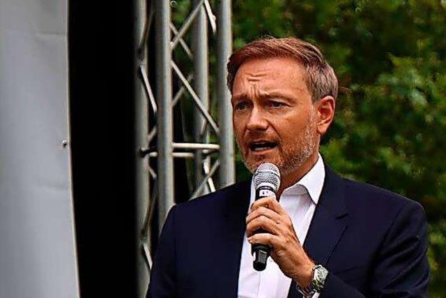 Christian Lindner attackiert bei Wahlkampfauftritt in Freiburg die Grünen