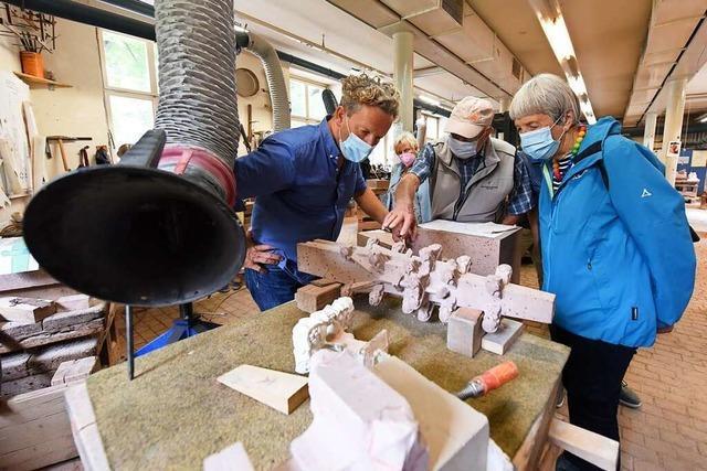 In der Münsterbauhütte findet sich Geschichte in Stein gemeißelt
