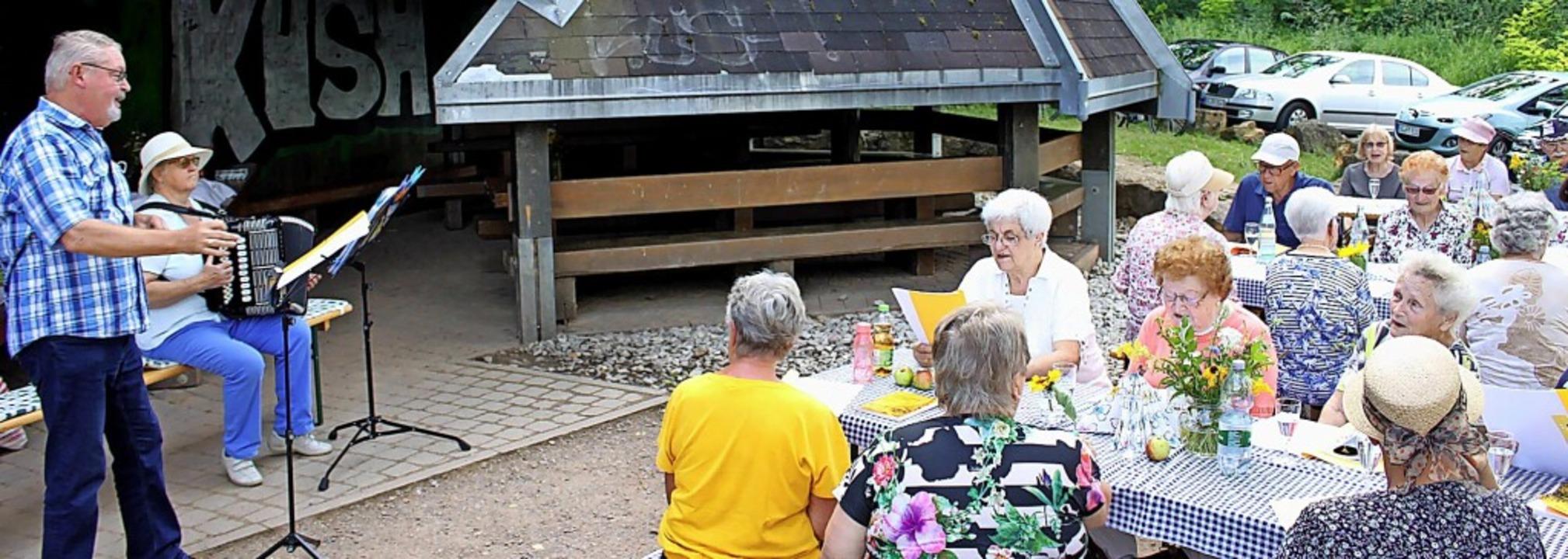 <BZ-FotoAnlauf>Ringsheim:</BZ-FotoAnla...20 Seniorinnen und Senioren begrüßen.     Foto: Adelbert Mutz