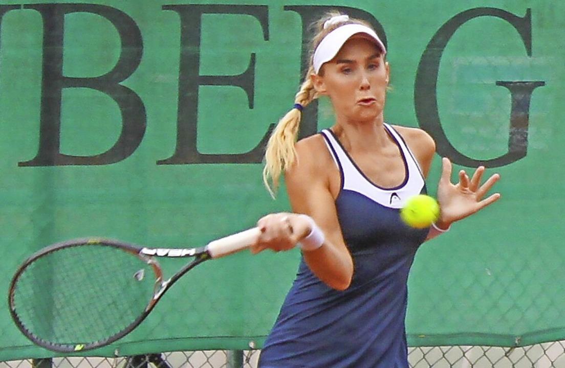 War am Ende im Finale der Frauen siegreich: Sarah Gronert von Tennis 65 Eschborn  | Foto: Adelbert Mutz