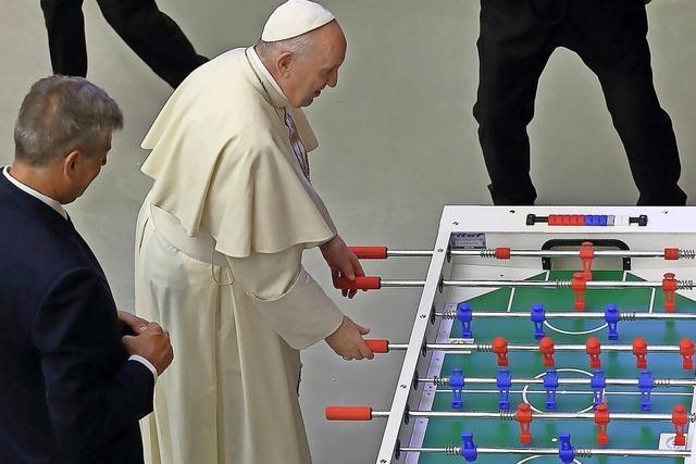 Päpstliches Kicker-Match