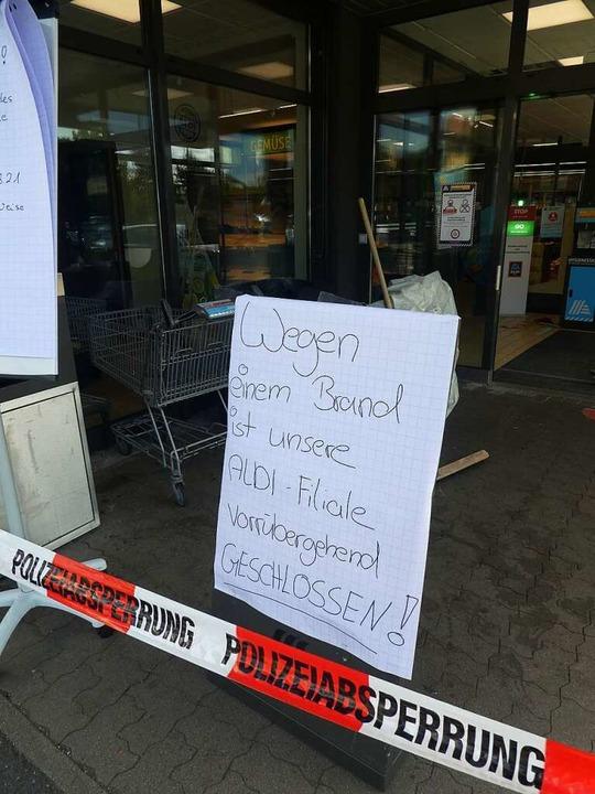Am Freitag blieb die Filiale des Discounters geschlossen.  | Foto: Peter Stellmach
