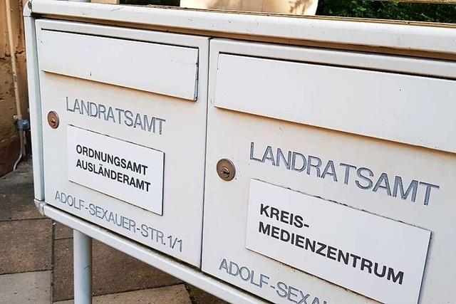 Emmendinger Landrat nimmt Ausländerbehörde in Schutz