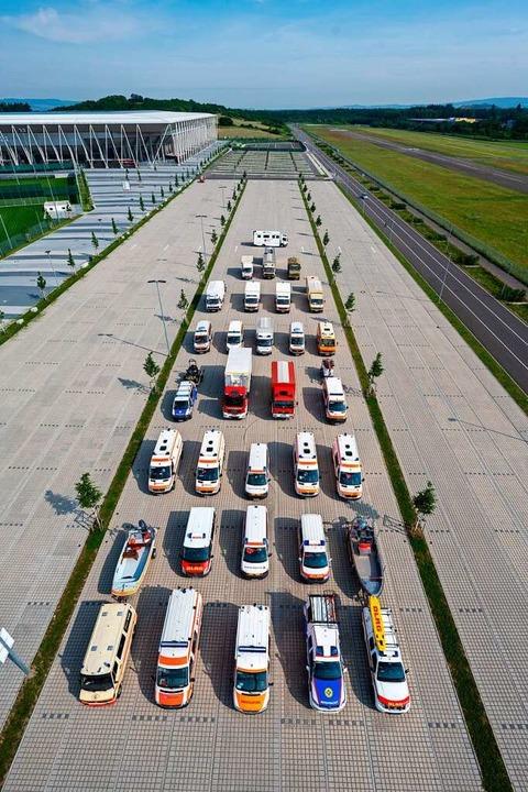 Diese Fahrzeuge rollen für den ehrenam... im neuen Rettungszentrum unterkommen.  | Foto: Stadt Freiburg / Patrick Seeger