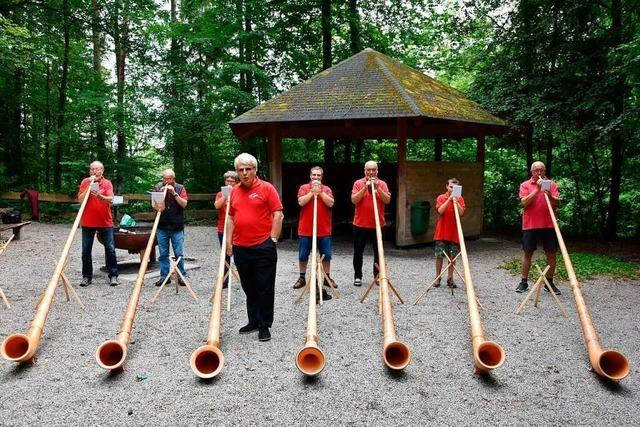 Am Mittwoch spielen die Rheinfelder Alphornfreunde in St. Georg Wyhlen