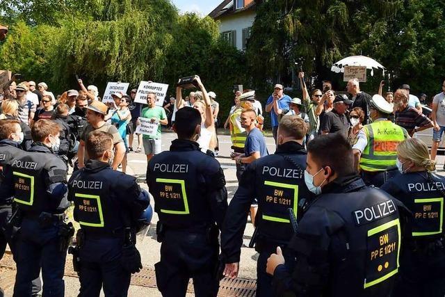 Lautstarker Protest beim Besuch von Bundesgesundheitsminister Jens Spahn in Lahr
