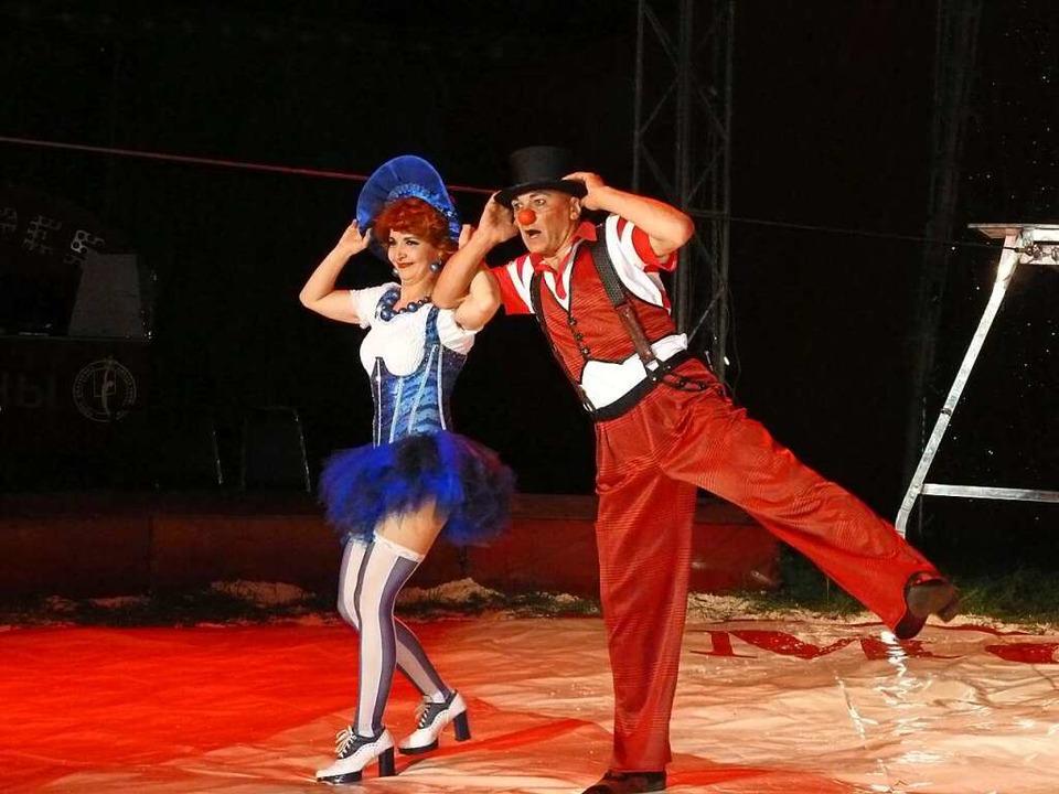 Red and Blue, die beiden Clowns verblüfften mit Kunststücken und Tricks.    Foto: Heidrun Simoneit