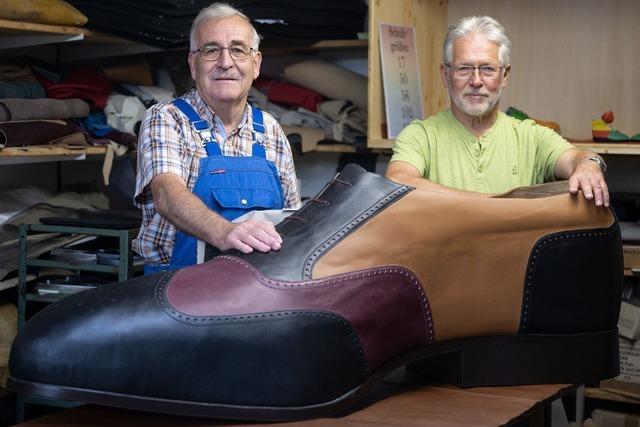 Riesen-Schuh in Münsingen hergestellt
