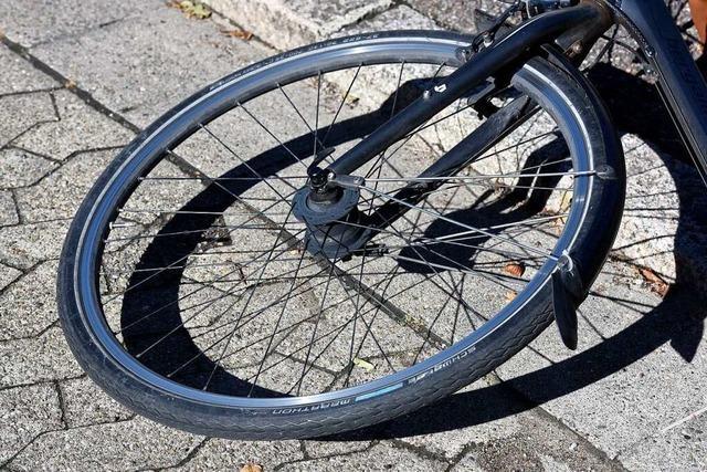 Betrunkener stürzt in Schopfheim-Wiechs mit dem Fahrrad