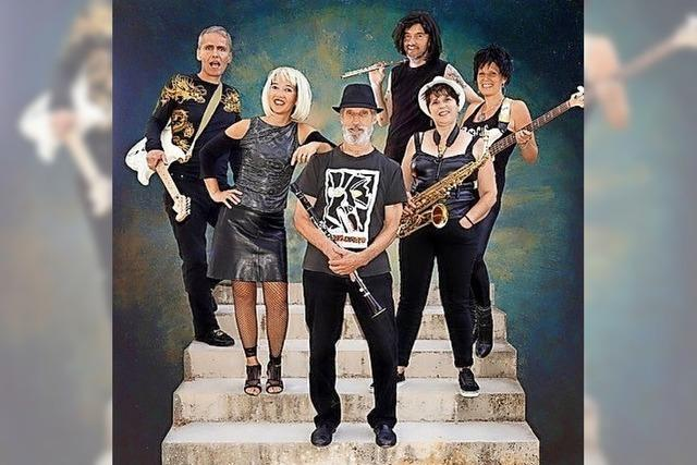 Die französische Band Manny spielt im Jesuitenschloss Merzhausen