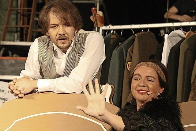 Ein groteskes Welttheater mit Biss