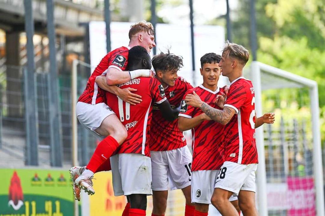 Freude beim SC Freiburg II bei einem Testspiel gegen Mulhouse im Juli.  | Foto: SC Freiburg/Achim Keller