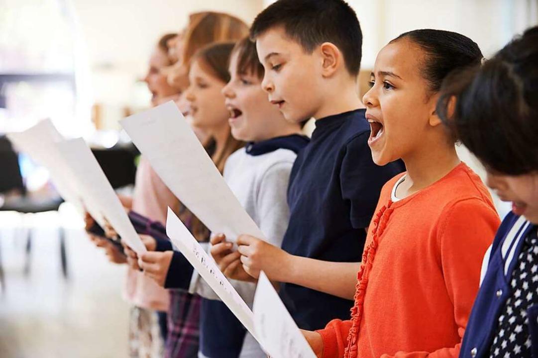 Viele Kinder lieben es, zu singen.    Foto: HighwayStarz